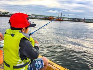 釣り初心者や子ども連れだって、釣り体験なら楽しめる!の画像