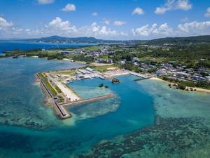 沖縄の海で釣り体験ツアー!初心者さんも手ぶらで楽しめる!の画像