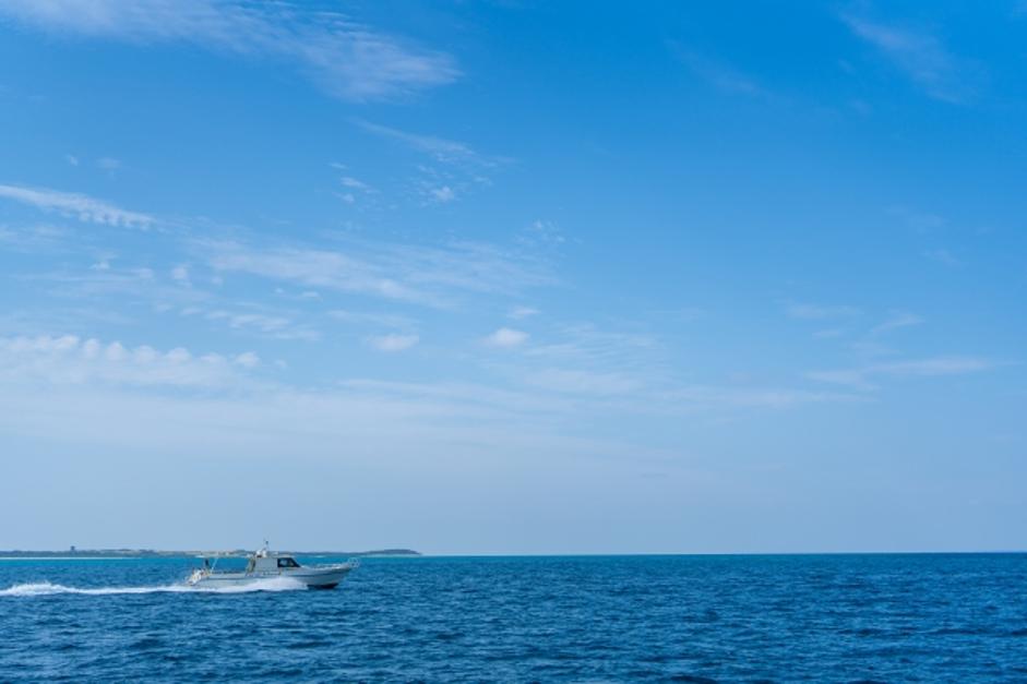 okinawa-sea-boat.png